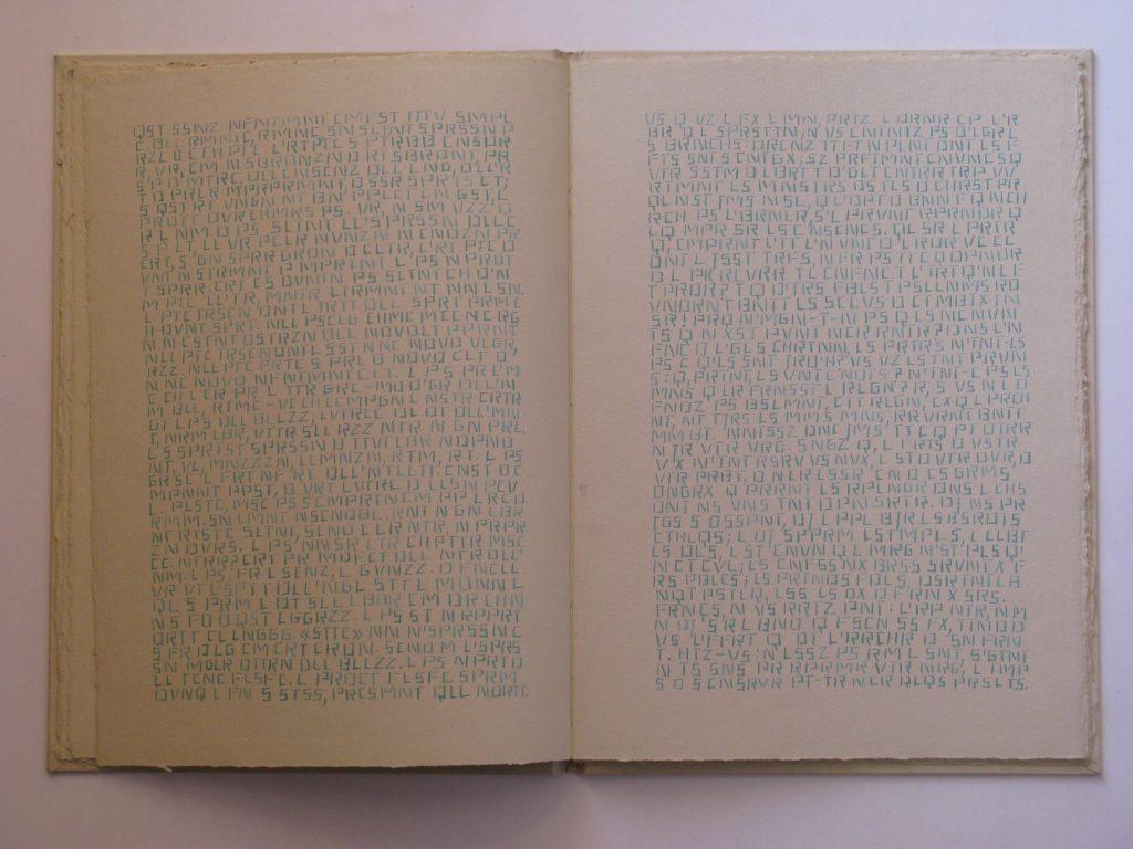 """L PHLSPH DNS L BDR, cm 34,8x25, pp. 32, 22 testi, 1976 [esposto per la prima volta nella mostra collettiva """"la forma della scrittura"""", Galleria d'Arte Moderna, Bologna, 1977]"""